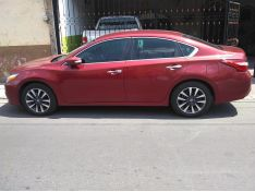 Altima Sense 2.5l 2017 Impecable Color Rojo