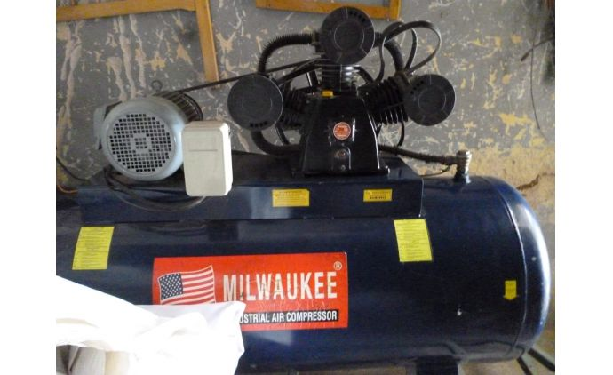 Compresor Nuevo Industrial Milwaukee